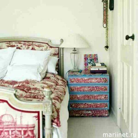 Оформление спальни обоями
