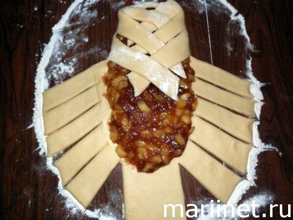 Как сделать пирог с яблоками в духовке из дрожжевого теста